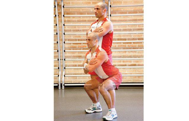Treino para blindar os joelhos - agachamento