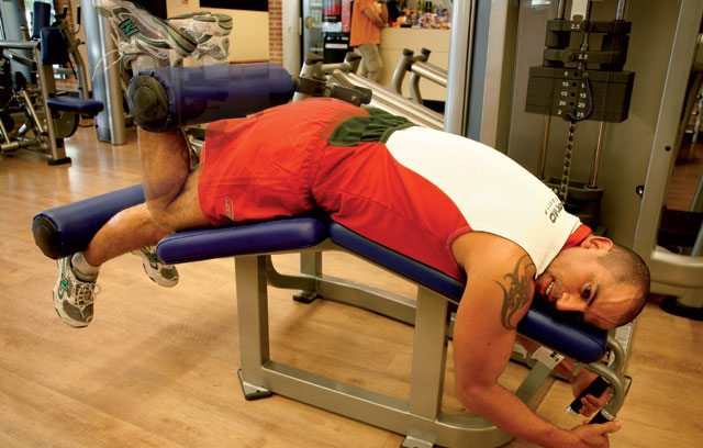 Treino para blindar os joelhos - mesa flexora