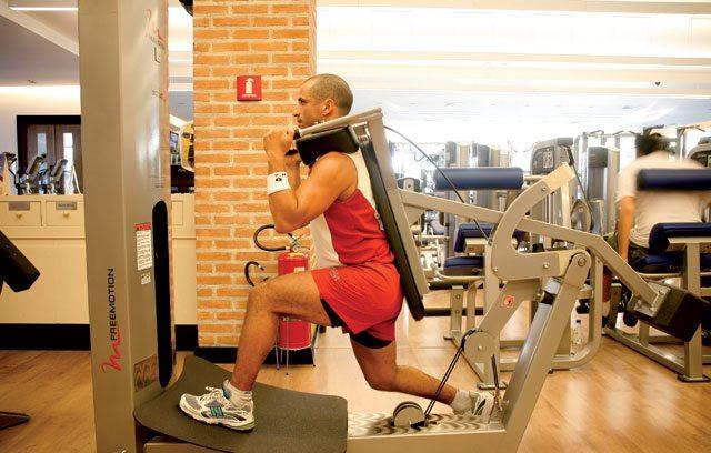 Treino para blindar os joelhos - Squat inicial