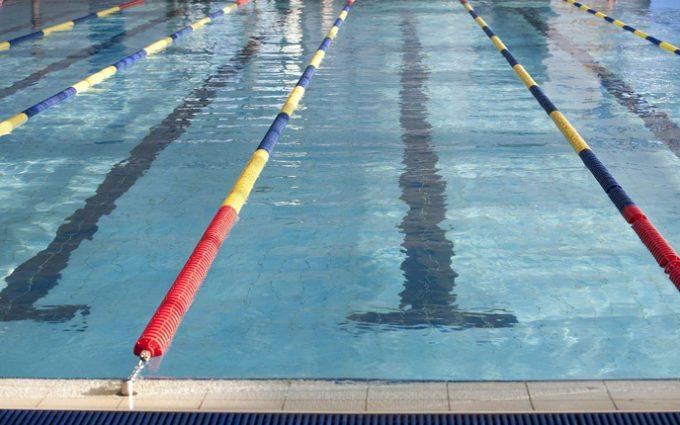 Alongamentos dentro da piscina aceleram a recuperação