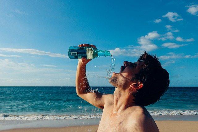 Beber água antes das refeições emagrece