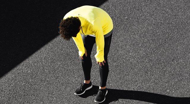 Homem cansado após correr