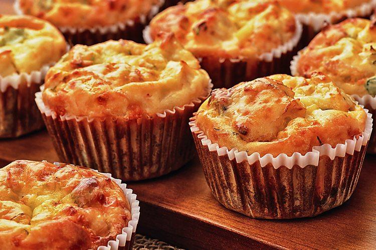 Muffins de batata-doce com frango