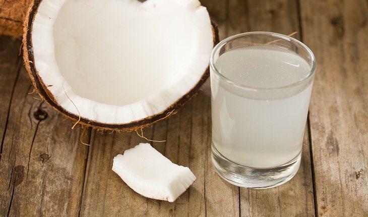 Água de coco ressaca