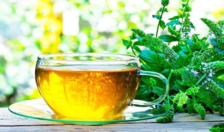 Chá de hortelã ressaca