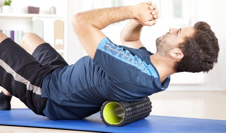 Liberação miofascial costas foam roller