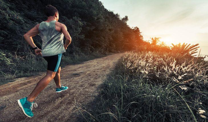Pessoa correndo em Trail run