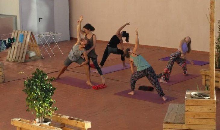 Entre os hostels para praticar yoga Jam Hostel, Barcelona, Espanha.
