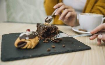 5 dicas para saciar a vontade de comer doces após o almoço