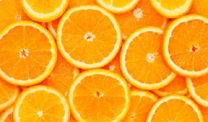 Alimentos que previnem a queda de cabelo: laranja