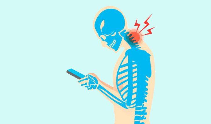 Na foto, uma ilustração de uma espécie de raio x de uma pessoa inclinada para olhar a tela do celular. Saúde da coluna