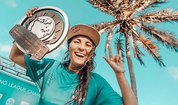 Bruna Kajiya, brasileira tricampeã mundial de kitesurf