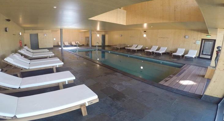 área da piscina feelviana