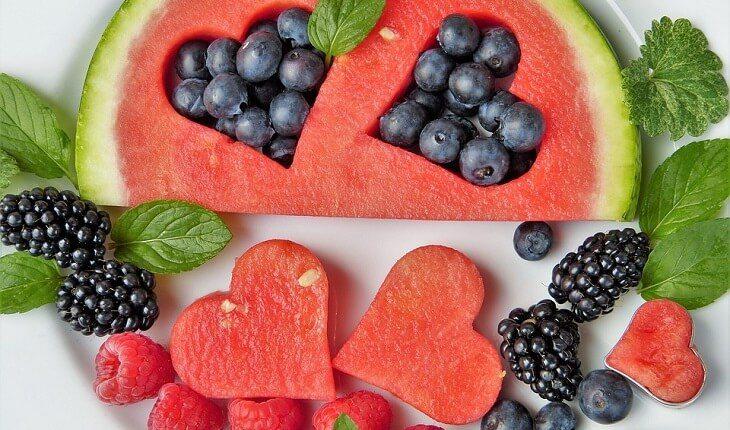frutas vermelhas coração nutrição esportiva