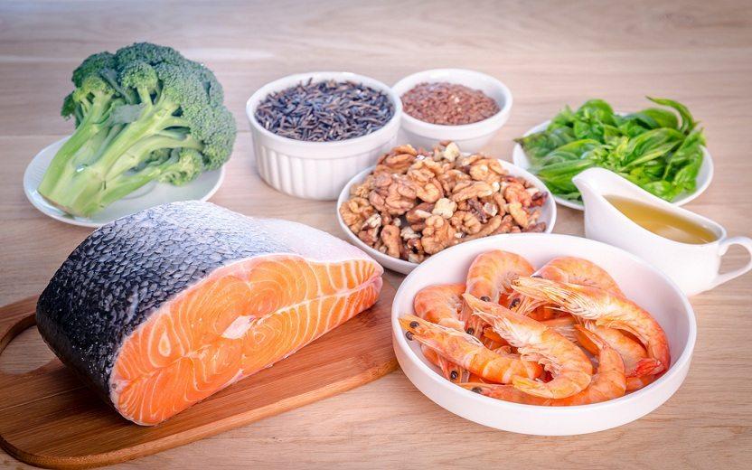 foto de vários alimentos ricos em ômega-3, que combate a aterosclerose
