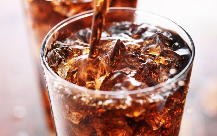 refrigerante e o excesso de açúcar