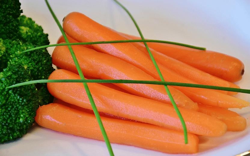 Cenoura e brócolis: benefícios da luteína