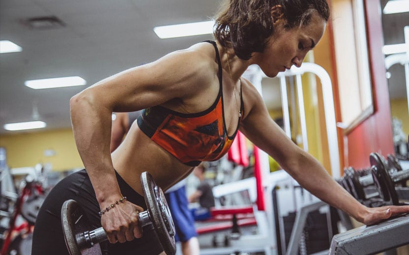 10 fatos que provam que mulheres devem treinar braço