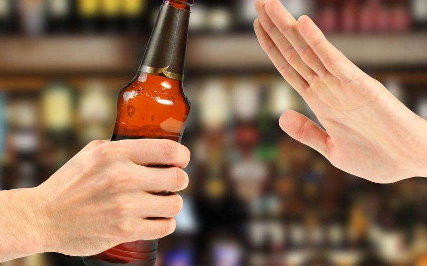 Álcool é um dos alimentos que ajuda a aumentar o estresse