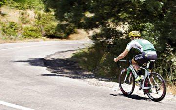 encarar ladeira com a bike