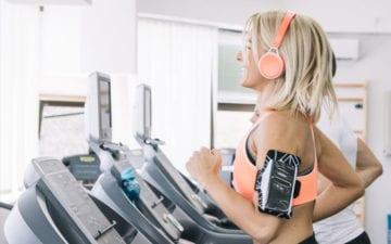 6 dicas para ter um desempenho ao correr na esteira