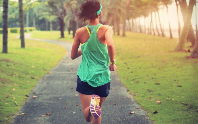 mulher correndo gasto calórico da corrida