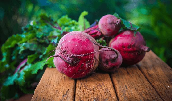 Alimentos que ajudam a desintoxicar: beterraba