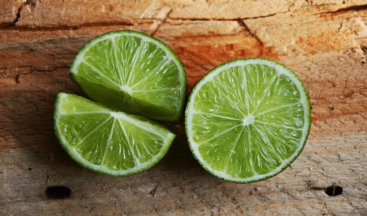 Alimentos que ajudam a desintoxicar: limão