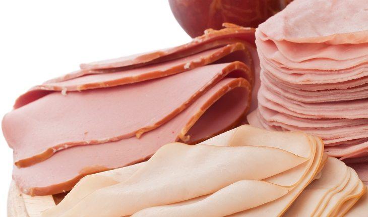Alimentação na gravidez. Alimentos para grávidas evitarem: na foto, embutidos como peito de peru, presunto, lombo e mortadela.