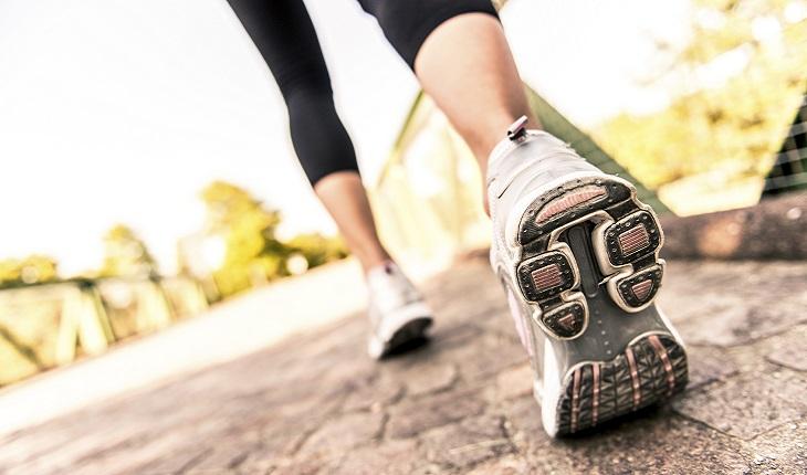 Mulher, correndo, ginástica, atividades físicas