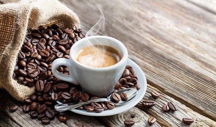 Cafeína: além de estimulante, também melhora o rendimento no exercício