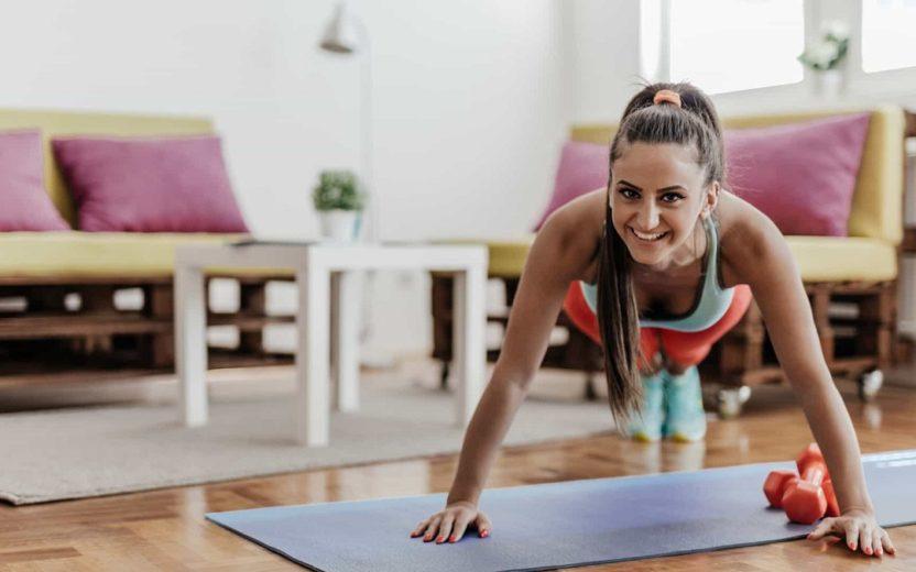 Cinco equipamentos fundamentais para o seu treino em casa