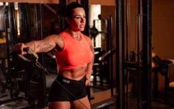 Fisiologia pede cuidado especial às mulheres para ganhar músculos
