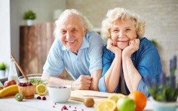 Alimentação te ajuda a viver mais e melhor de 4 maneiras diferentes