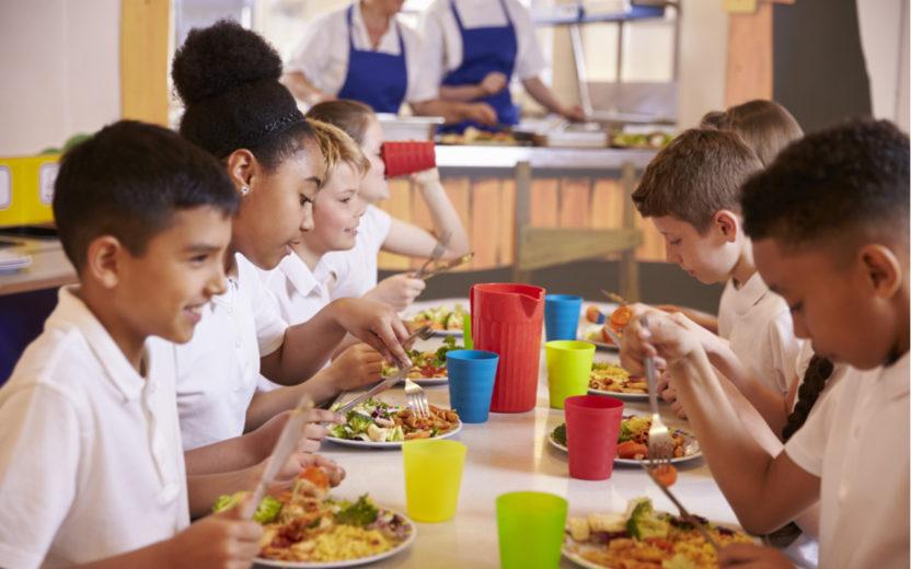 Cantinas das escolas influenciam hábitos alimentares das crianças