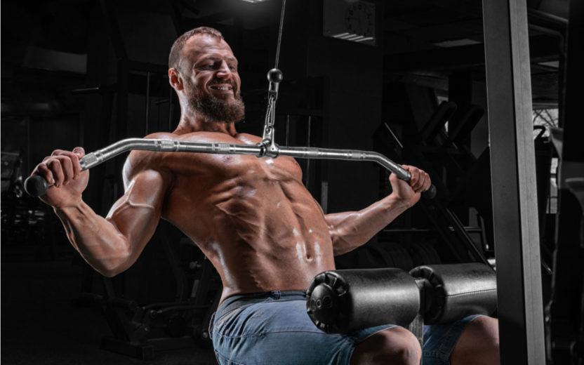 Hipertrofia muscular pode ser dificultada por causa de 3 mitos