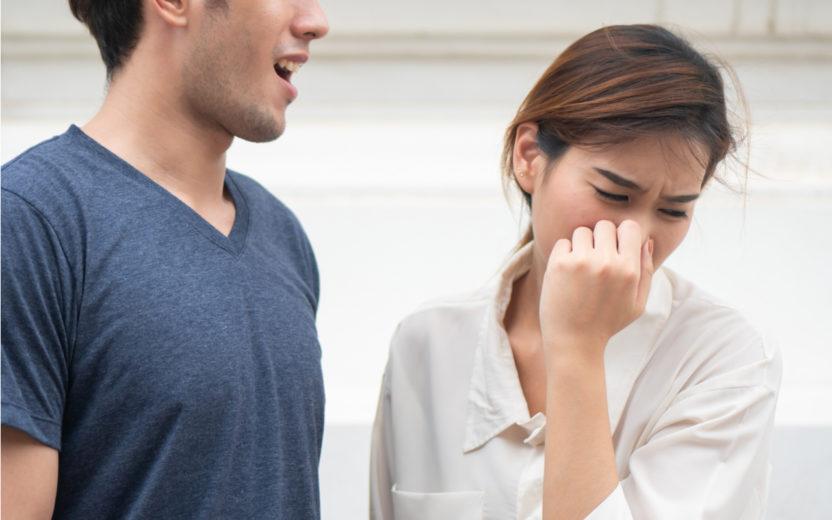Mau hálito: veja 5 alimentos que ajudam a combater a halitose