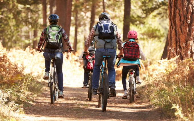 Com baixo risco na pandemia, pedalar ao livre ganha adeptos