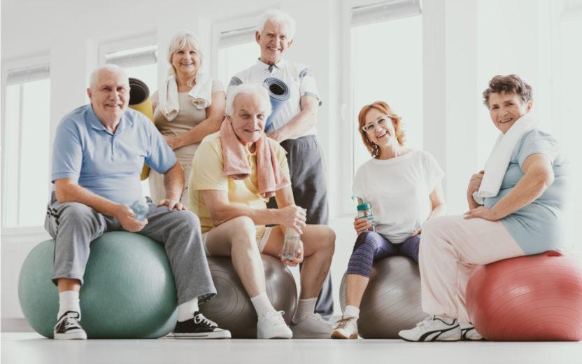 Exercícios para idosos: 5 movimentos simples de fazê-los em casa